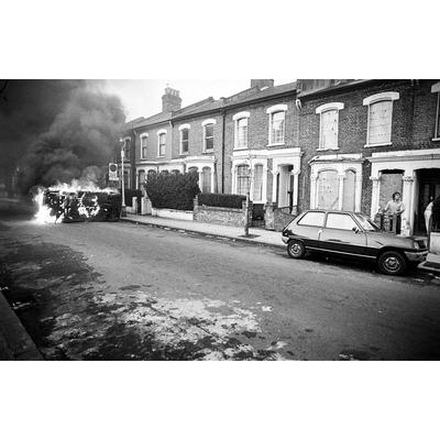 Railton rd, another car burns.